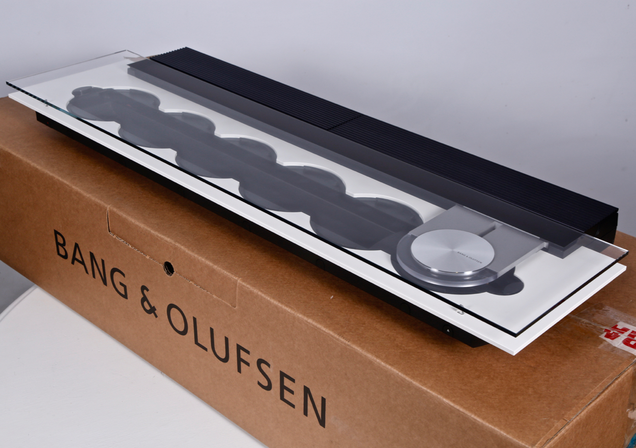 Bang & Olufsen BeoSound 9000 CD Player