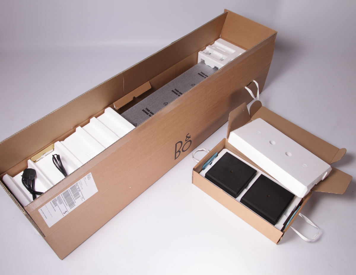 BeoLab 8000 Packaging