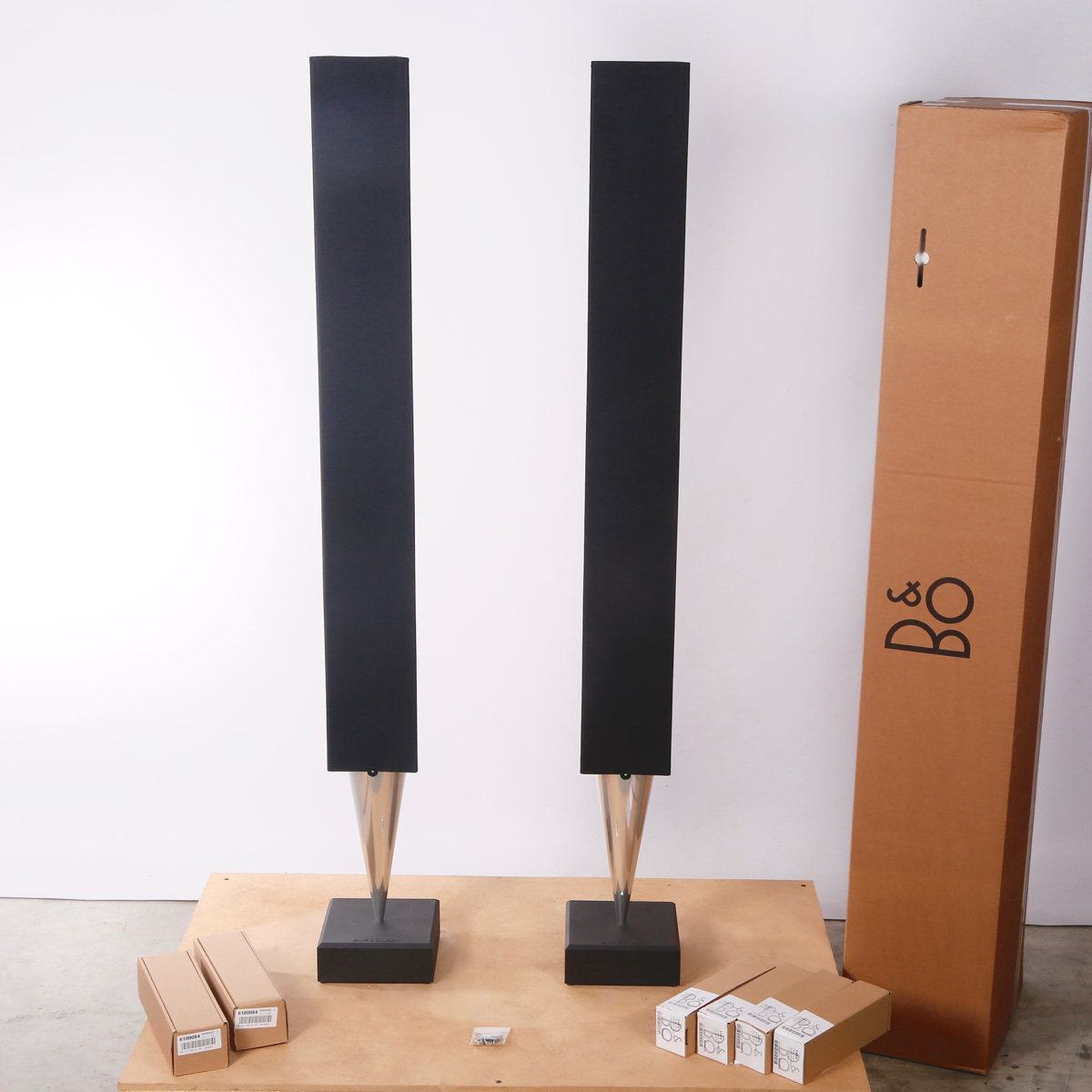 Pre-owned BeoLab 8002 Speakers