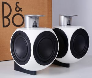 beolab-3-speakers-wall-mounted