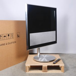 """Bang and Olufsen BeoVision 10 32"""" Silver"""